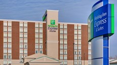 Holiday Inn Express/Suites Chatham South