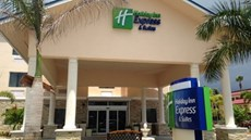 Holiday Inn Express & Stes Lantana
