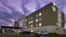 Holiday Inn Express/Suites New Braunfels