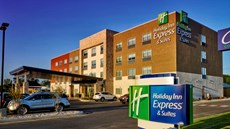 Holiday Inn Express/Suites Tulsa NE