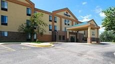 Quality Inn & Suites Lenexa-Kansas City
