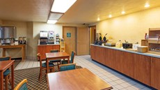 Econo Lodge Inn & Suites, Albany
