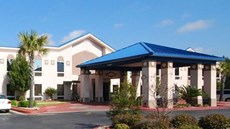 Red Roof Inn & Suites Hinesville