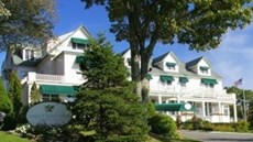 Spruce Point Inn Resort