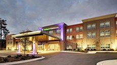 Holiday Inn Express/Suites Charleston NE