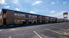 Scottish Inn & Suites Eau Claire