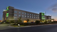 Holiday Inn Hotel & Suites NW