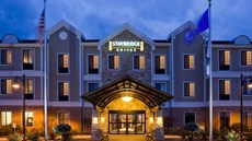 Staybridge Suites West-Oconomowoc