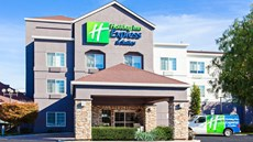 Holiday Inn Express & Stes Oakland Arpt