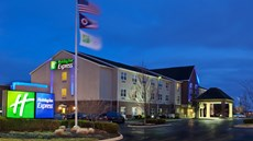 Holiday Inn Express & Suites Columbus Ea