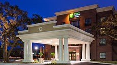 Holiday Inn Express & Stes Mt Pleasant
