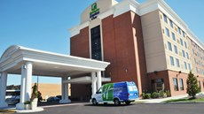 Holiday Inn Express/Suites Norfolk Arpt