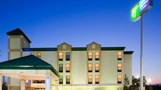 Holiday Inn Express/Suites Fayetteville