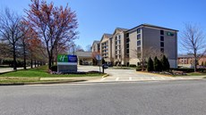 Holiday Inn & Suites Alpharetta