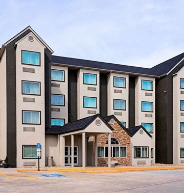 Quality Inn & Suites Robbinsville