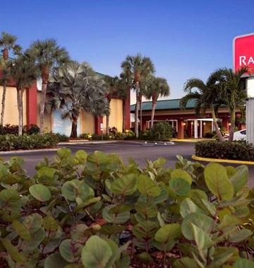 Ramada Naples- Tourist Class Naples, FL Hotels- Business