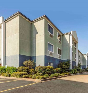 Quality Inn & Suites Jackson Airport