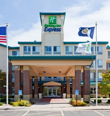 Holiday Inn Express & Suites St. Paul Ne
