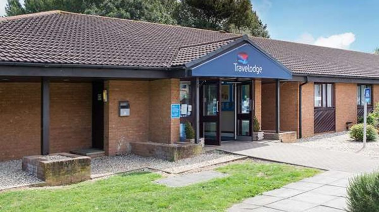 Travelodge Yeovil Podimore Exterior