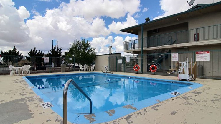 Motel 6 Gallup Pool