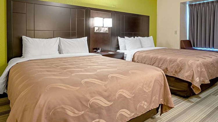 Quality Inn & Suites Robbinsville Room