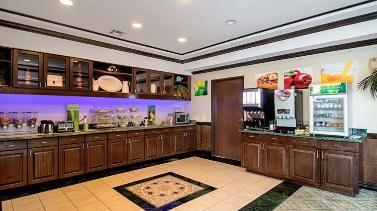 Quality Inn & Suites Robstown Restaurant