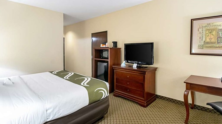 Quality Inn & Suites Robstown Room