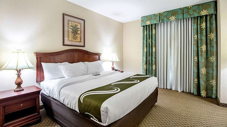 Quality Inn & Suites Robstown Suite