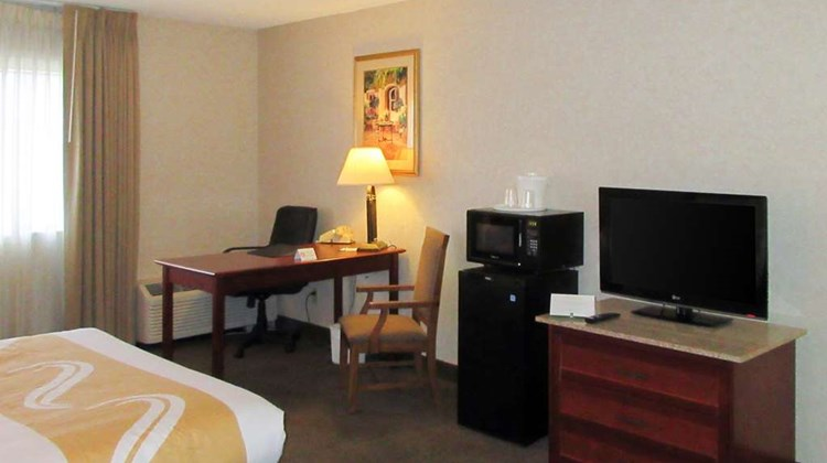 Quality Inn & Suites Albuquerque Room