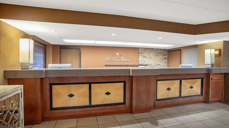 AmericInn by Wyndham Bloomington West Lobby
