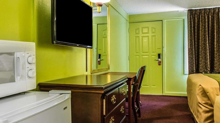Econo Lodge Pittsburgh Room