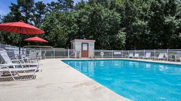 Quality Inn Fort Jackson Pool