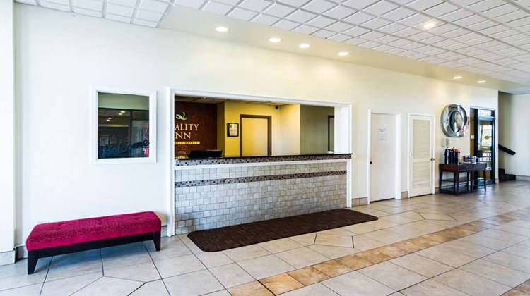 Quality Inn & Suites, Amarillo Lobby