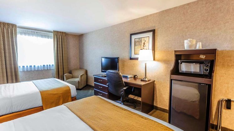 Quality Inn Seattle Premium Outlets Room
