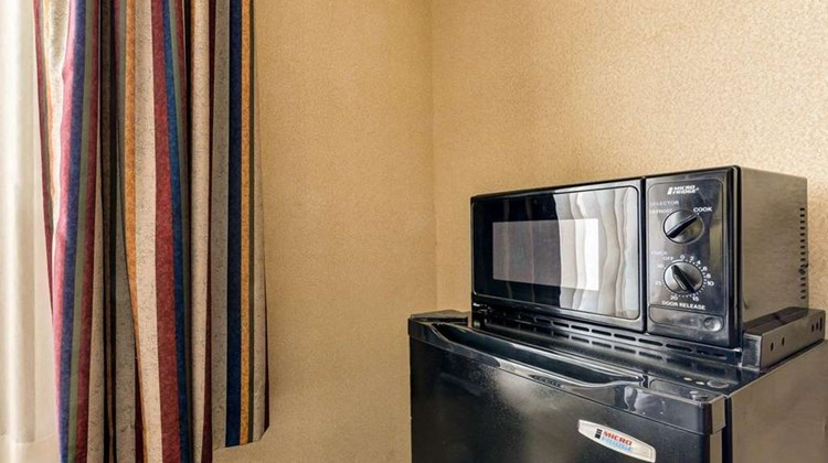 Quality Inn Spring Mills - Martinsburg N Room