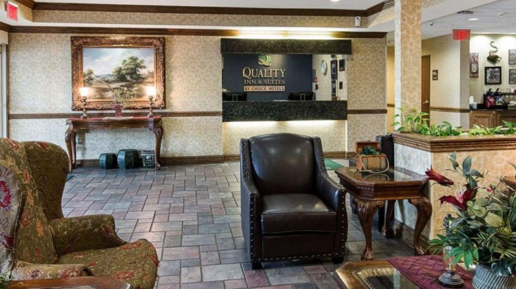 Quality Inn & Suites Lobby