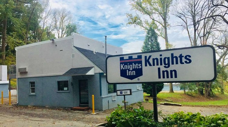 Knights Inn Glen Mills Exterior