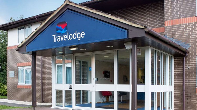 Travelodge Leigh Delamere West Exterior
