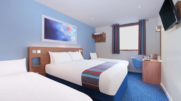Travelodge Cirencester Room