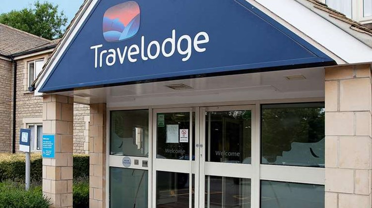 Travelodge Cirencester Exterior