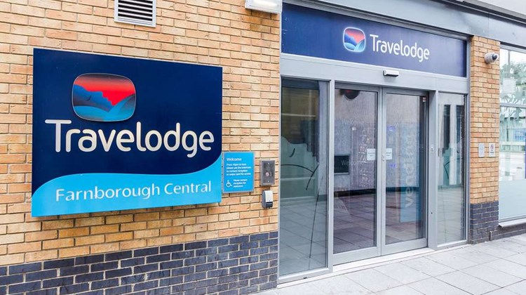 Travelodge Farnborough Central Exterior