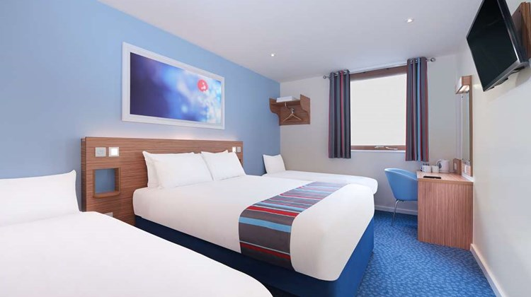 Travelodge Farnborough Central Room