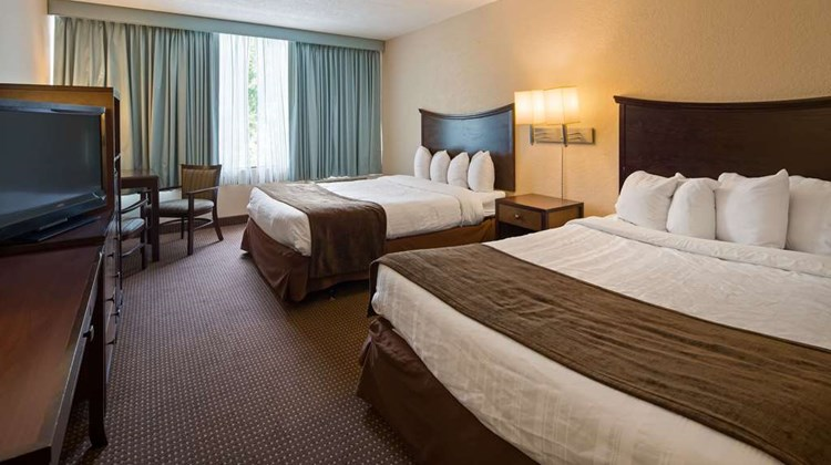 SureStay Plus Hotel by BW Albany Airport Room