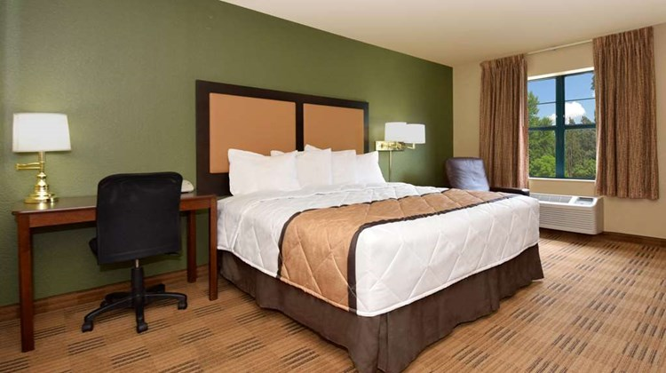 Extended Stay America Long Island Bethpa Room