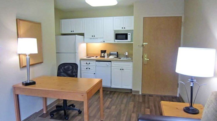 Extended Stay America Canyon Pk Room