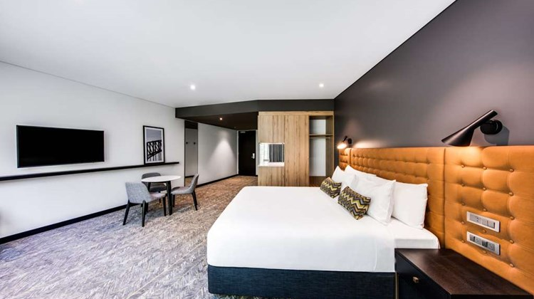 Vibe Hotel North Sydney Room
