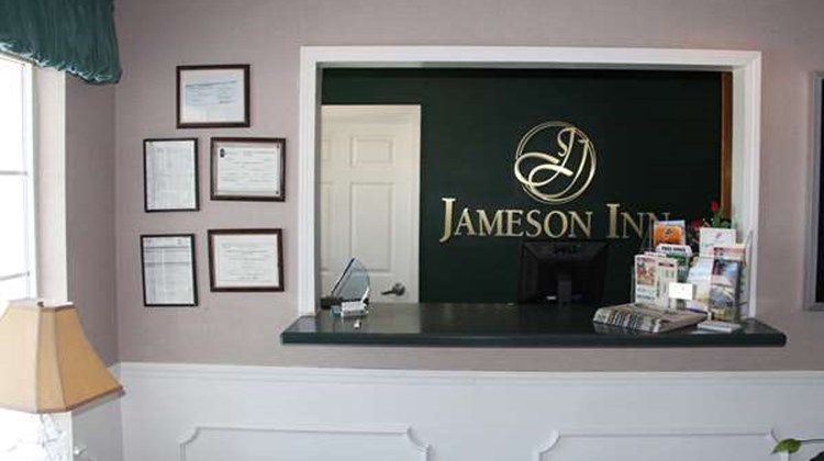 Jameson Inn Lobby