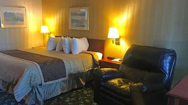 America's Best Inn Pear Tree Motel Room