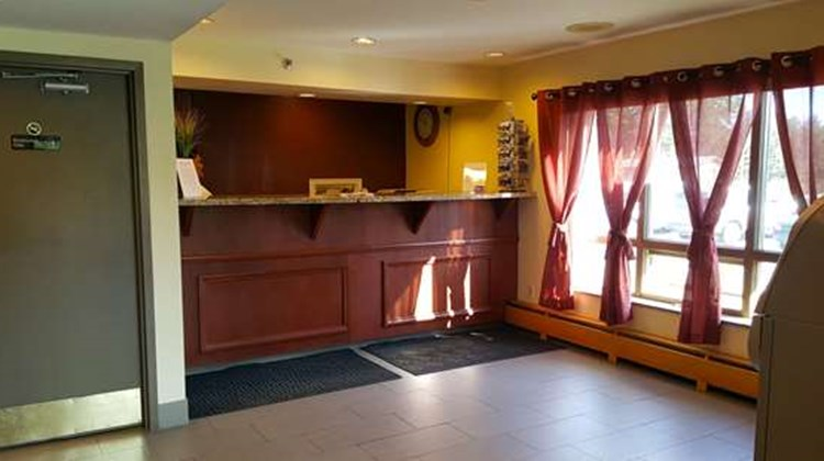 Americas Best Value Inn-Executive Suites Lobby
