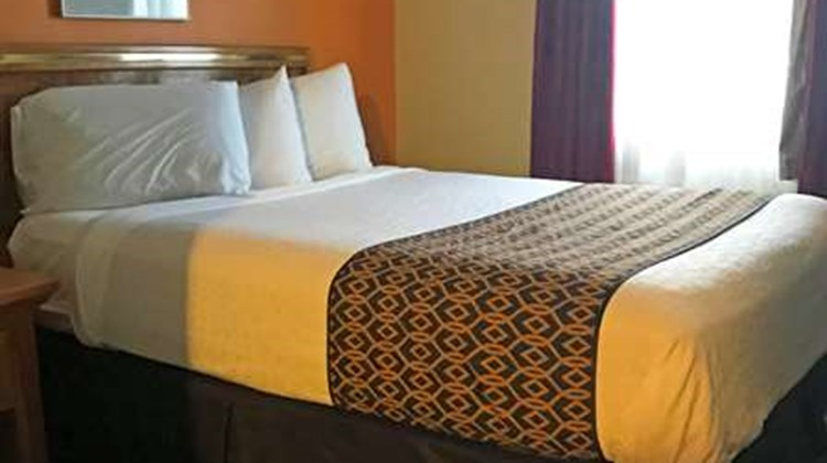 Americas Best Value Inn-Executive Suites Suite